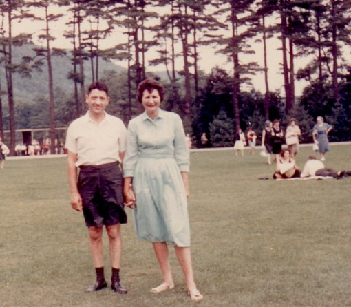 milt-and-ruth-at-tanglewood-holding-hands
